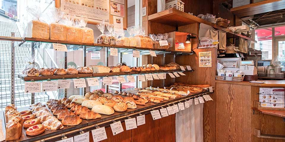 パンの販売・陳列(ランコントル)